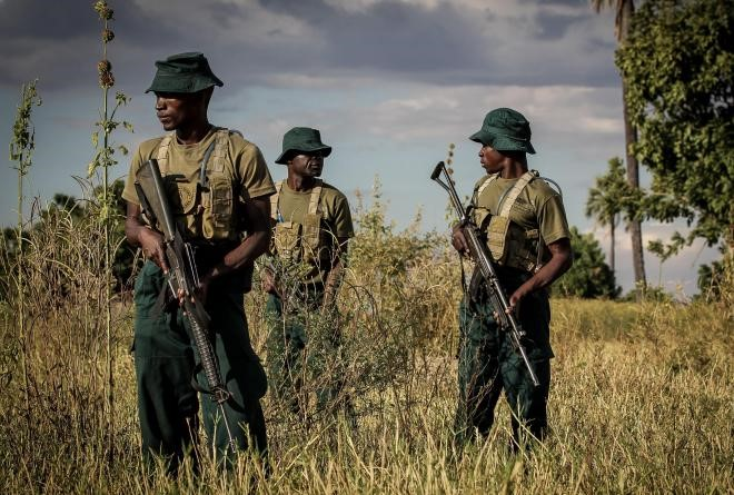 Rangers on patrol in Liwonde National Park in Malawi. Photo by Annegré Bosman / Pluk Media.